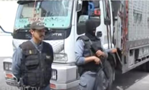 """مطاردة """"بوليسية"""" في الطريق السيار بين البيضاء وأكادير تنتهي بتوقيف شاحنة محملة ب 12 طن من المخدرات"""