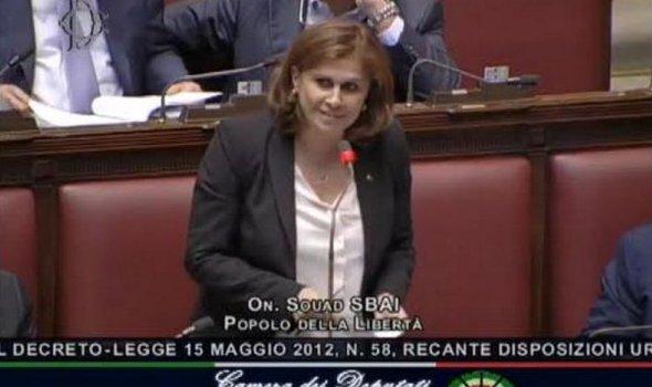 سعاد السباعي تطالب السيناتور الإيطالي بقانون جنسية واقعي لأبناء المهاجرين