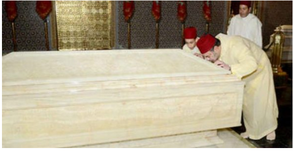 الملك محمد السادس يترحم على روح جده الملك محمد الخامس