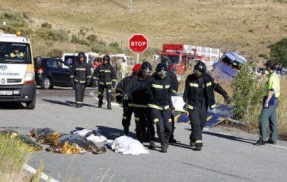 قتيلان وعشرات المغاربة المصابين في حادث سير بإسبانيا