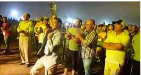 مقطع الفيديو الذي أشعل مواقع التواصل الاجتماعي…باشا مدينة البئرالجديد (نورالدين الشحافي) يرقص بالزي الرسمي