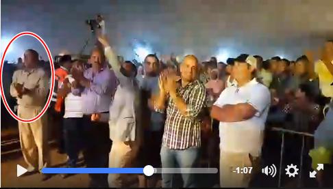الحال ما يشاور لكن حال باشا البئر جديد خلال مهرجان جوهرة جعله يرقص ببذلته الرسمية