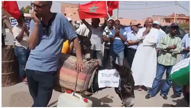 """ساكنة جهة درعة تافيلالت تحتج على """"كاط كاط"""" الشوباني بالحمير"""