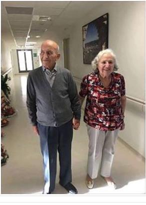 """الحمد الله """" الأستاذ عبد الرحمان اليوسفي يعود إلى حياته الطبيعية بعد تحسن حالته الصحية ، ويغادر مستشفى الشيخ الزايد بالدارالبيضاء."""