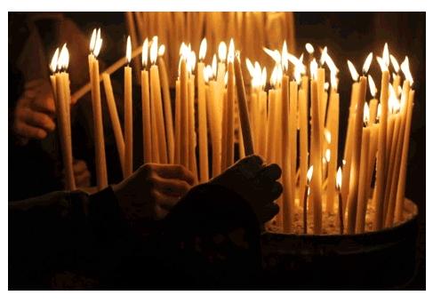 مسيحيون مغاربة يحتفلون بأعياد الميلاد .. ترانيم وأدعية للملك