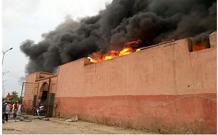 تلاميذ يحرقون ثانوية بمراكش يعد حصولهم على نقط ضعيفة في الإمتحان