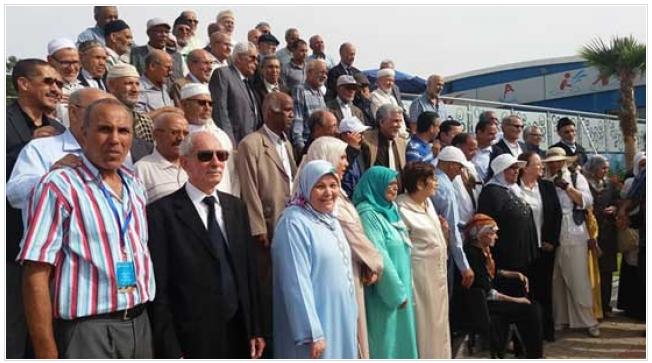 جمعية قدماء تلميذات وتلاميذ تمارة تهدي عمرتين في حفل تكريم 100 أستاذ وأستاذة من الجيل الذهبي