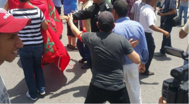 """""""الشباب الملكي""""يهاجم المشاركين في مسيرة الرباط: """""""