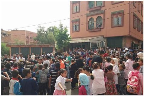 الاكتظاظ يخرج تلاميذ ابتدائية بدمنات للاحتجاج