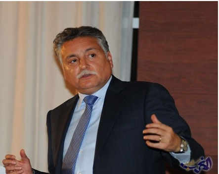 وزير الإسكان المغربي يتفاجئ بخبر إقالته بمجرد هبوطه في لندن
