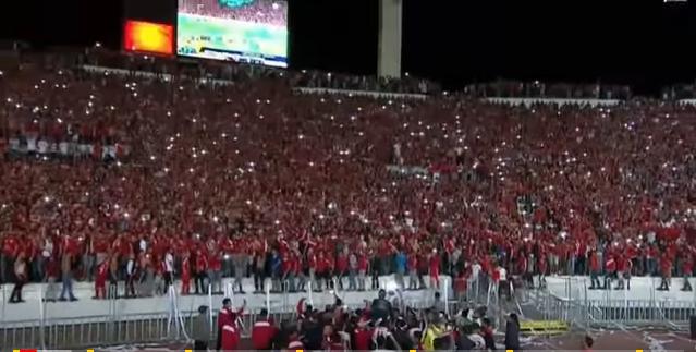 شاهد اللحظة التاريخية التي انتظرها كل مغربي و ودادي رفع كأس أبطال افريقيا أمام انبهار المصريين