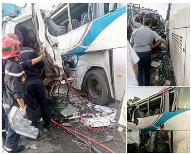 صور/ اصطدام مروع بين حافلة للركاب و شاحنة يوقع ضحايا بواد زم !