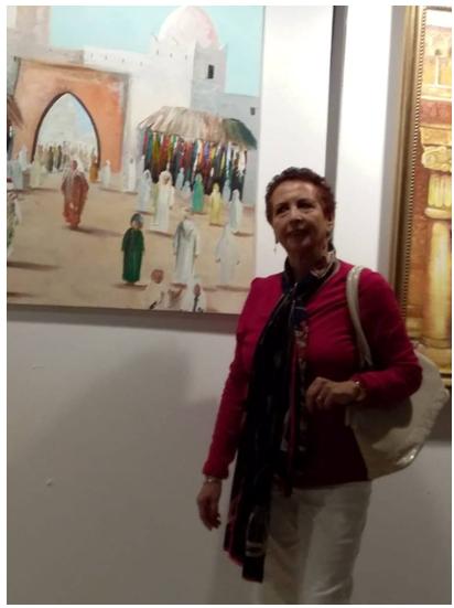 فاطمة السعيدي ..فنانة تشكيلية تبدع في التعبيرعما يخالجها بإحساس يماشي ريشتها ..