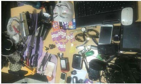 الشرطة توقف عصابة متخصصة في سرقة العيادات الطبية والمحلات المهنية(صور)