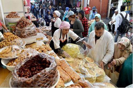 """وزارة الصحة تراقب المنتجات الغذائية لتفادي """"التسممات الجماعية"""