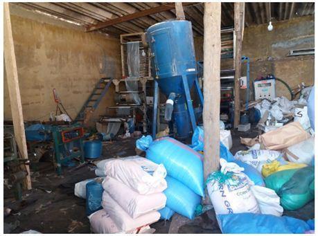 مديونة.. ضبط مستودعين سريين لإنتاج الأكياس البلاستيكية