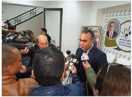 في ندوة صحفية نظمها حزبه المصطفى بنعلي: النموذج التنموي البديل  يقتضي تأويل الدستور تأويلا ديمقراطيا.