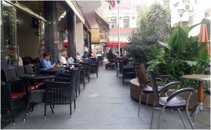 سلطات البيضاء تلزم أصحاب المطاعم والمقاهي بإغلاق محلاتهم قبل منتصف الليل