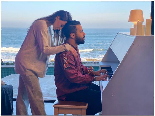 """-""""فايك لوڤ"""" فيديو كليب جديد للفنان المغربي """"كرافاطا"""""""